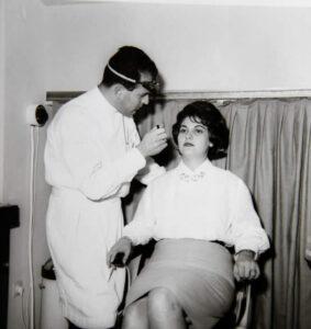 1970 - Οι πρώτες εφαρμογές μαλακών φακών επαφής στην Ελλάδα
